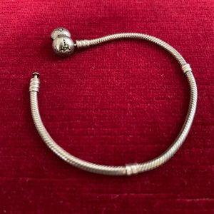 EUC DISNEY Parks Pandora Bracelet